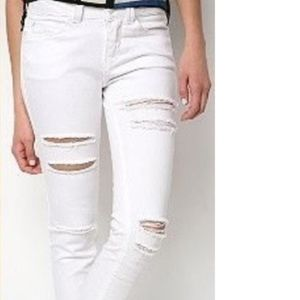 Silence + Noise White High Rise skinny twig Jean